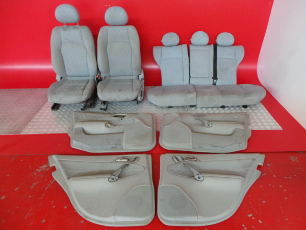 Conjunto de bancos / Sem Airbags MERCEDES-BENZ C-CLASS (W203)   00 - 07