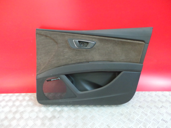 Quartela Frt Drt SEAT LEON ST (5F8) | 12 -