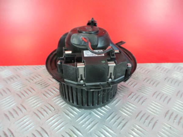Motor da Sofagem VOLKSWAGEN CADDY III Caixa (2KA, 2KH, 2CA, 2CH) | 04 - 15