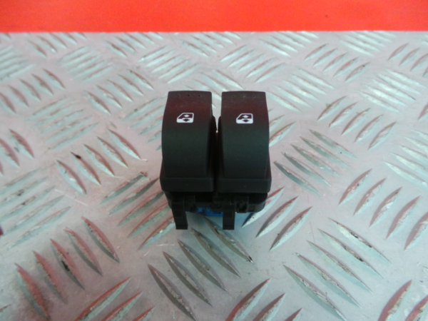 Comutador Vidro Frt Dir RENAULT MASTER III Caixa (FV) | 10 -
