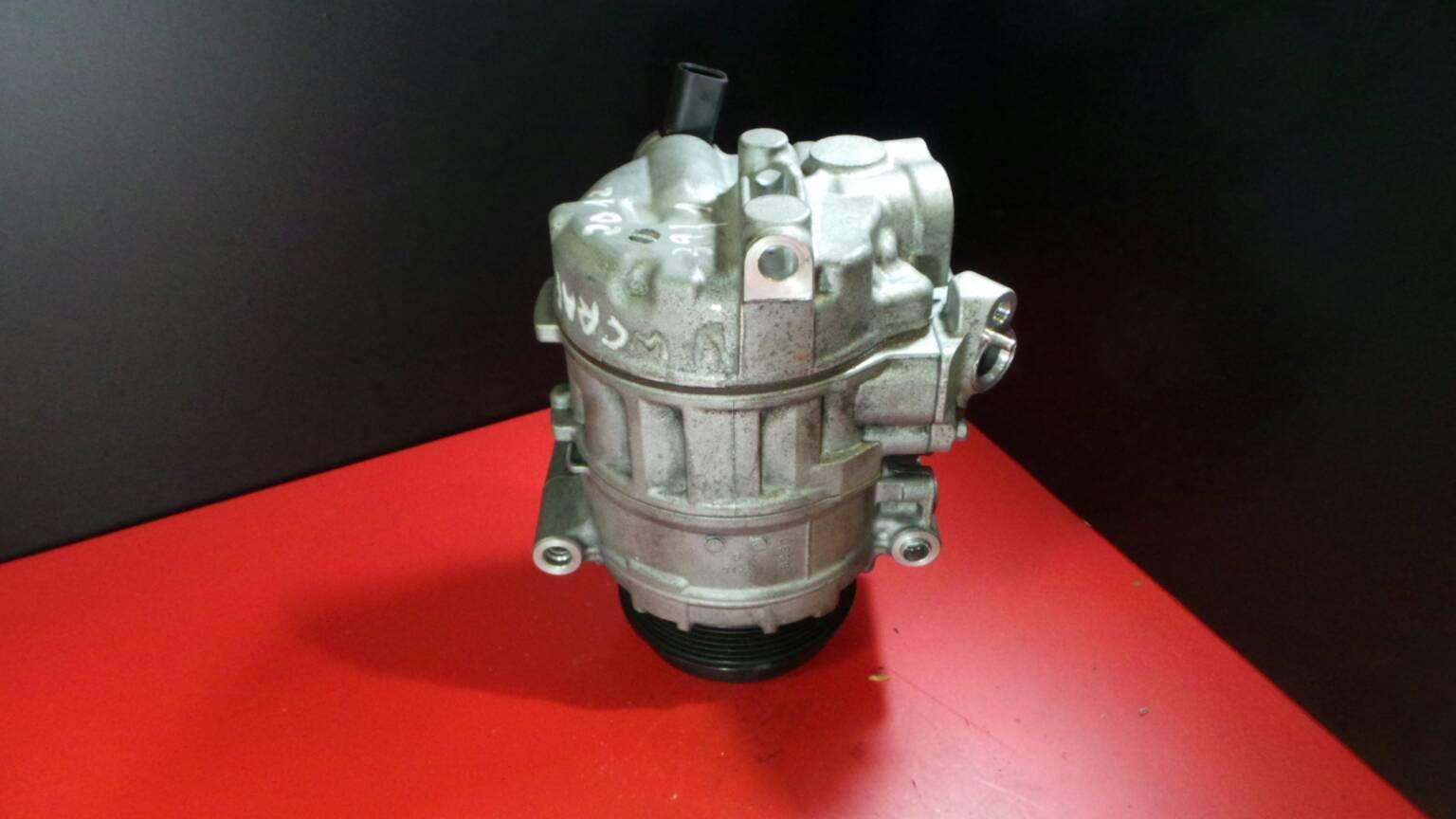 Compressor do Ar Condicionado VOLKSWAGEN CRAFTER 30-50 Caixa (2E_)   06 - 16