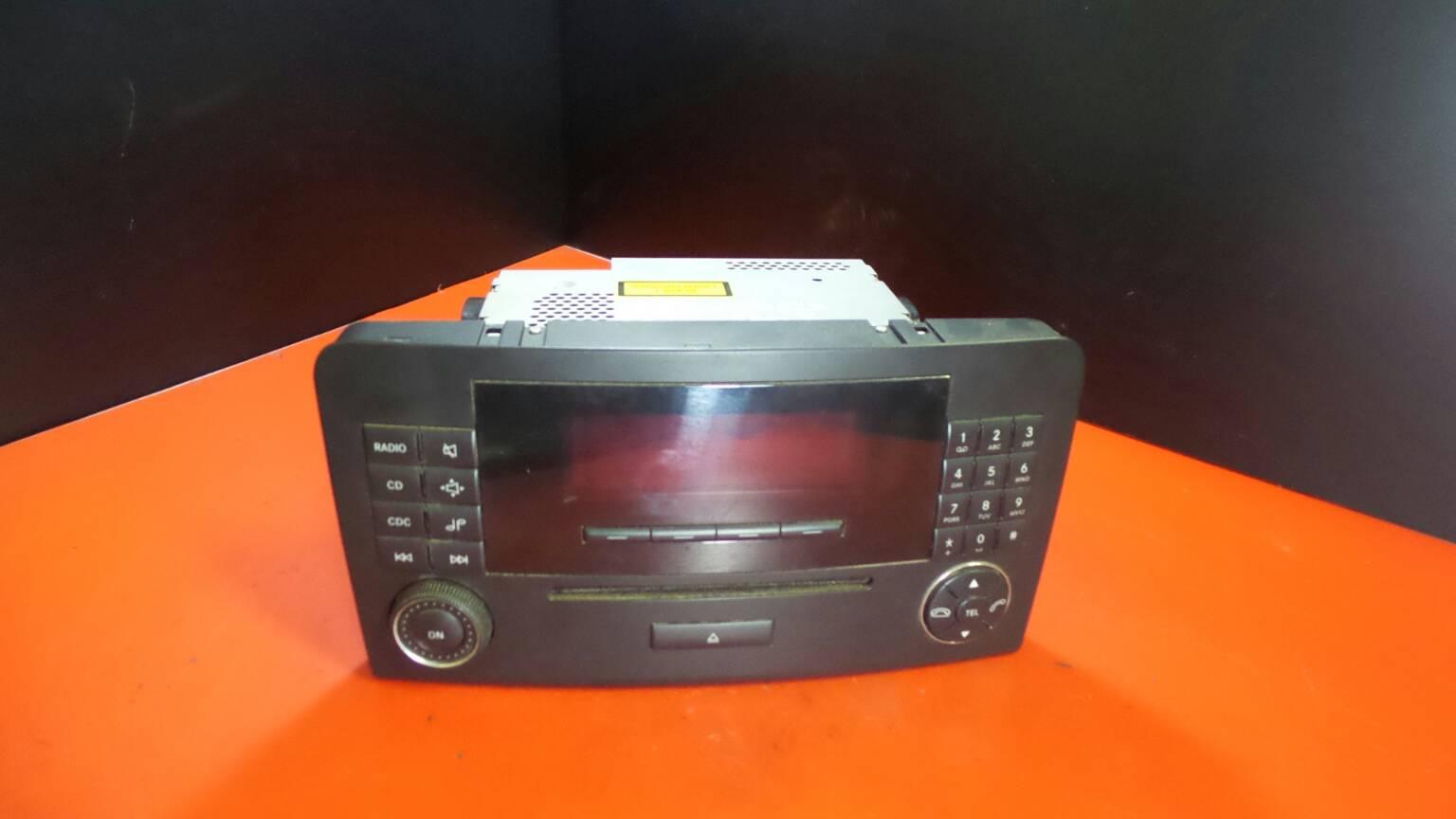 Auto-rádio (CD) MERCEDES-BENZ M-CLASS (W164)   05 - 12