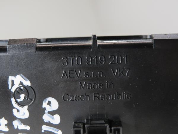 Display do Radio SKODA SUPERB II Combi (3T5) | 09 - 15