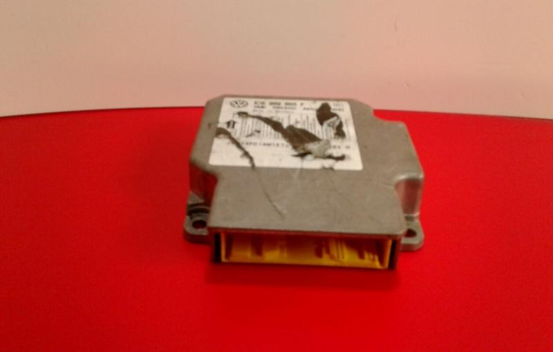 Centralina do Airbag VOLKSWAGEN CADDY III Combi (2KB, 2KJ, 2CB, 2CJ)   04 - 15