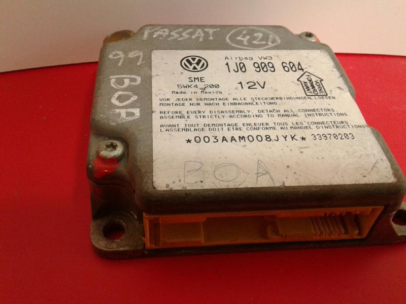 Centralina do Airbag VOLKSWAGEN PASSAT (3B2) | 96 - 01