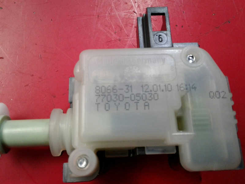 Interruptor / Botoes TOYOTA AVENSIS Combi (_T27_) | 09 - 18