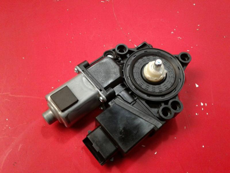 Motor Elevador Tras Esquerdo KIA CEED (JD)   12 -