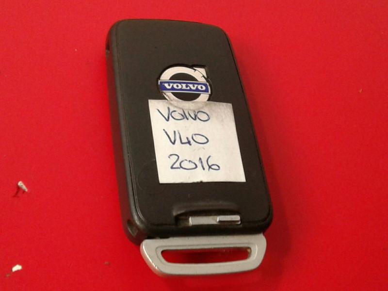 Chave VOLVO V40 Hatchback (525, 526)   12 -