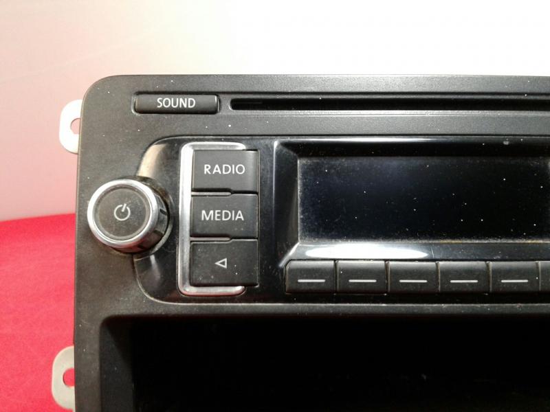Auto-rádio (CD) VOLKSWAGEN CADDY III Caixa (2KA, 2KH, 2CA, 2CH) | 04 - 15
