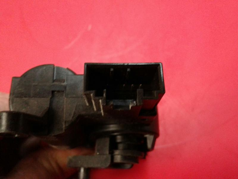 Atuador da Comporta de Ar VOLKSWAGEN CADDY III Caixa (2KA, 2KH, 2CA, 2CH)   04 - 15