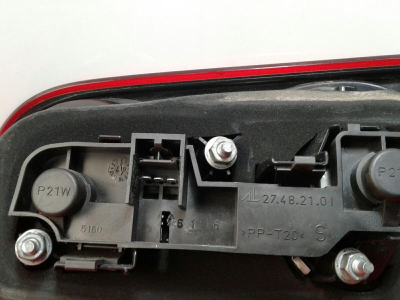 Farolim da mala esquerdo FIAT CROMA (194_) | 05 -