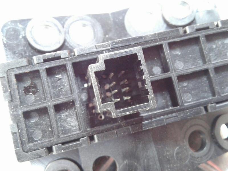 Interruptor / Botoes NISSAN QASHQAI II (J11, J11_)   13 -