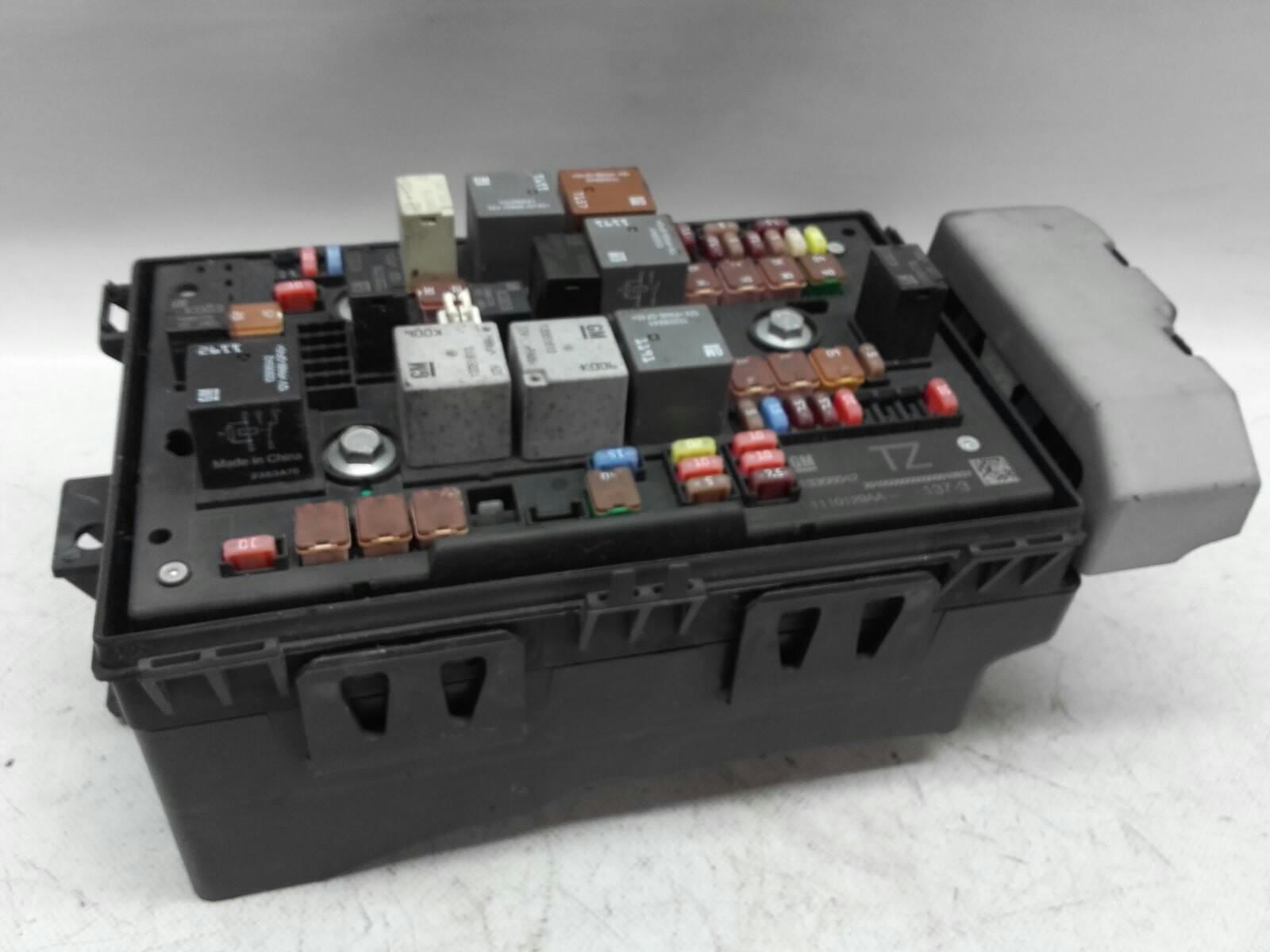 Caixa Fusíveis  SAM (20216720).