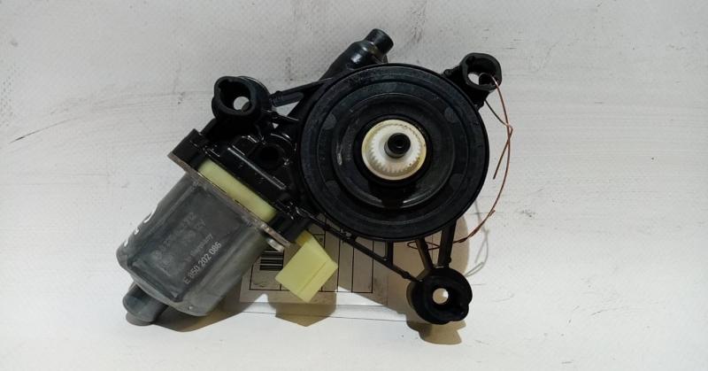 Motor Elevador Trás Direito (20205927).