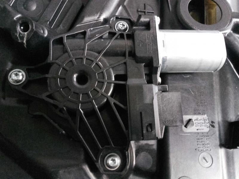 Motor Elevador Trás Dt. (20206224).