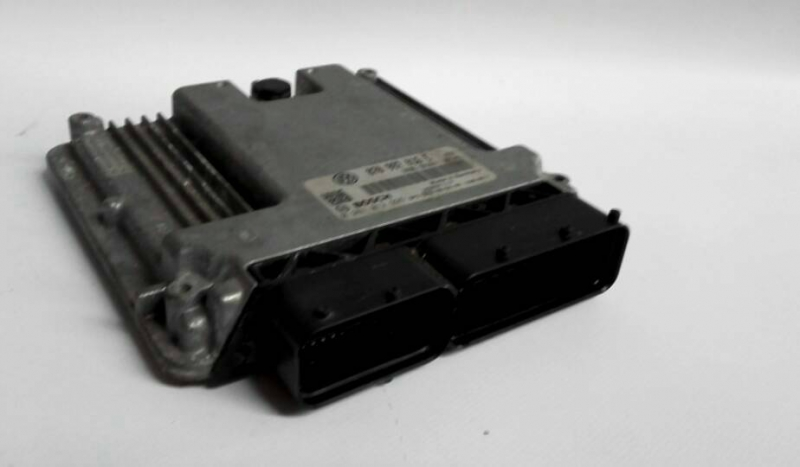 Centralina do Motor / ECU (20206261).