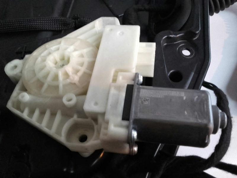 Motor Elevador Fte Dt (20206359).