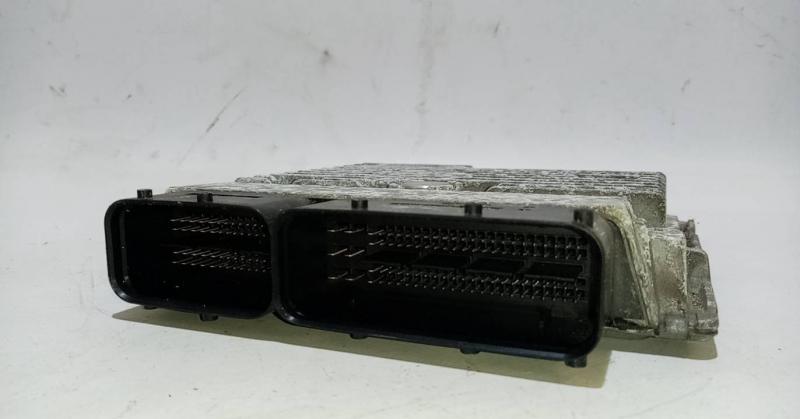 Centralina do Motor  ECU (20208050).