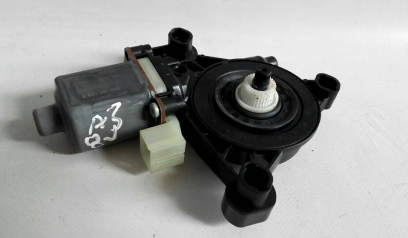 Motor Elevador Trás Direito (20209330).