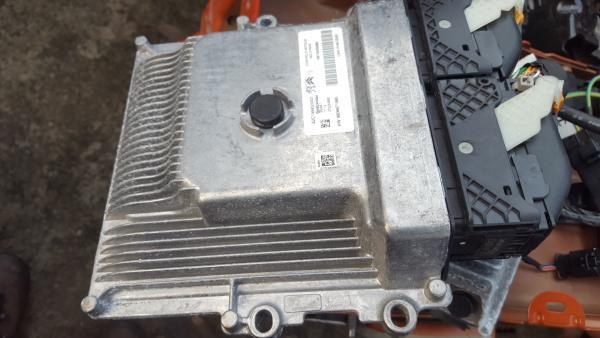 Centralina do Motor / ECU (20319041).
