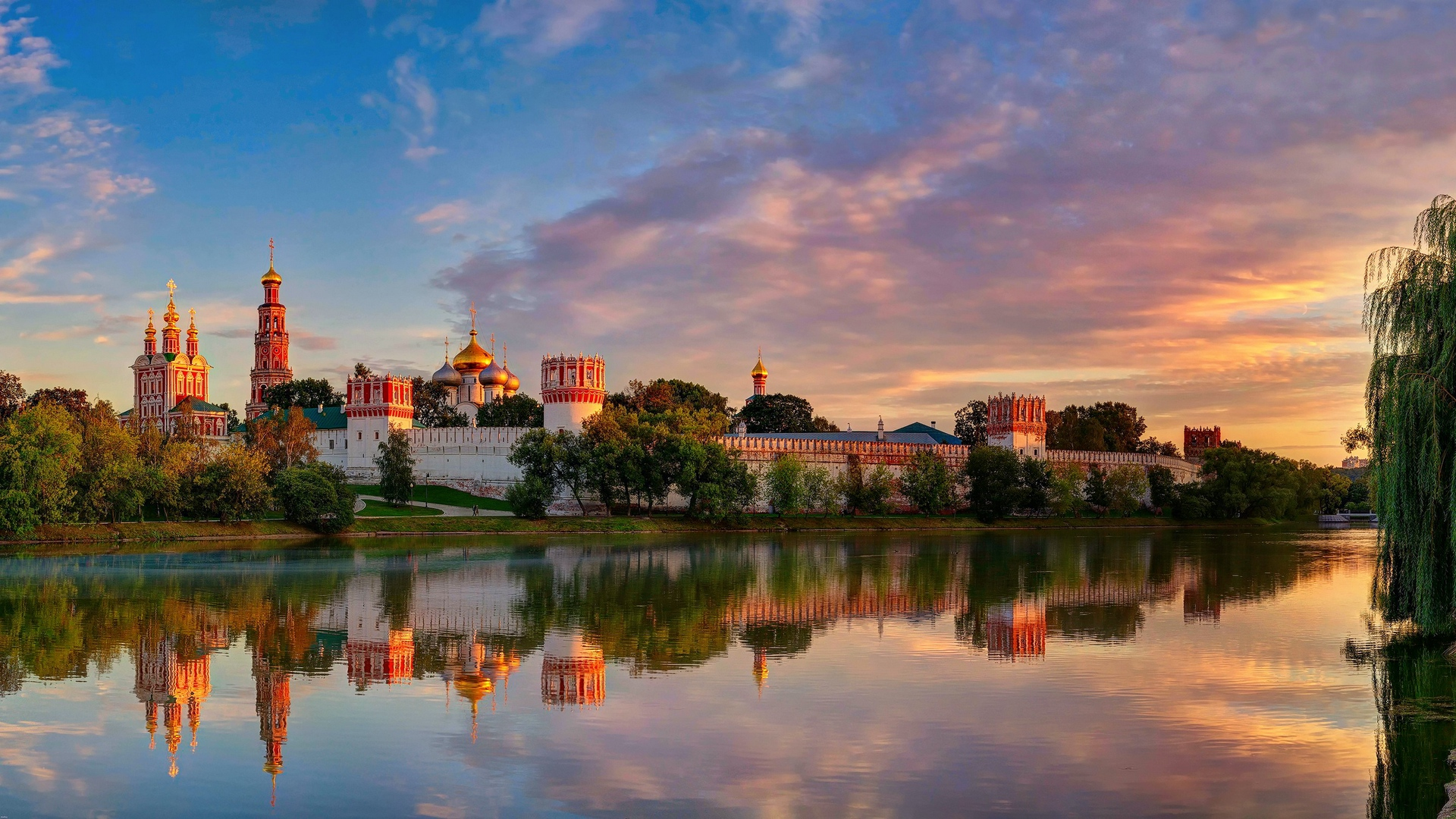 moscow novodevichy convent mother of god of smolensk summer x