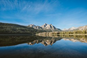 lake mountains forest Hd Wallpaper