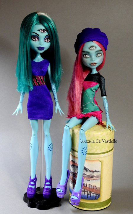 cam create a monster: three eyed ghoul... monster high repaint ooak doll art painting