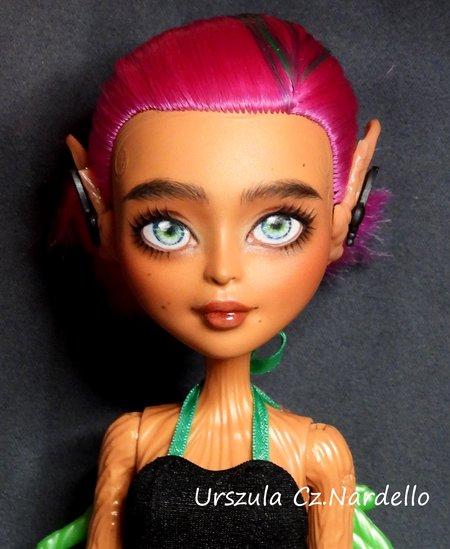 Treesa Thornwillow -Monster High repaint OOAK doll