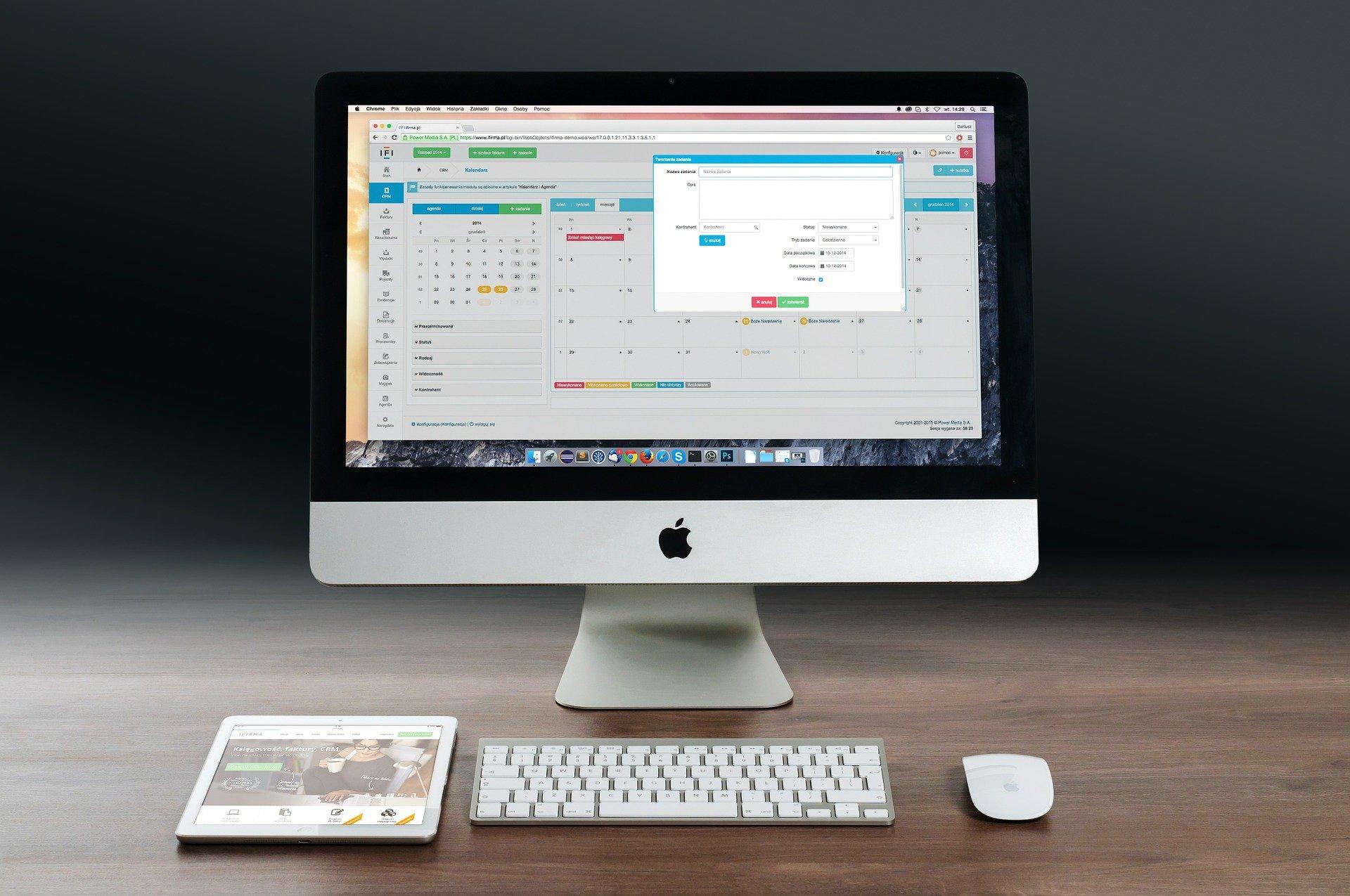 Computer met tablet en muis